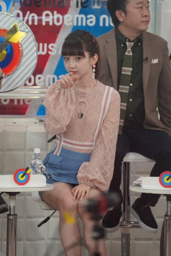 荻野由佳パンチラ4