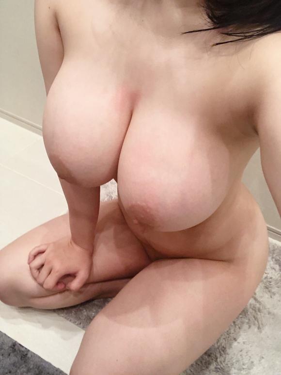超乳おっぱい32