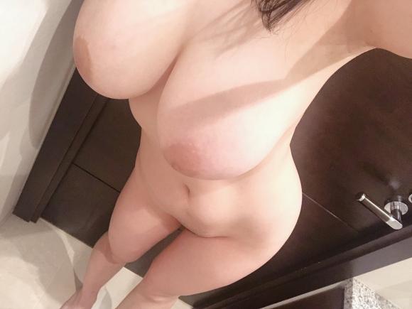 超乳おっぱい46