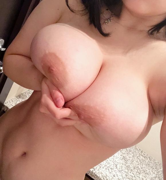 超乳おっぱい48