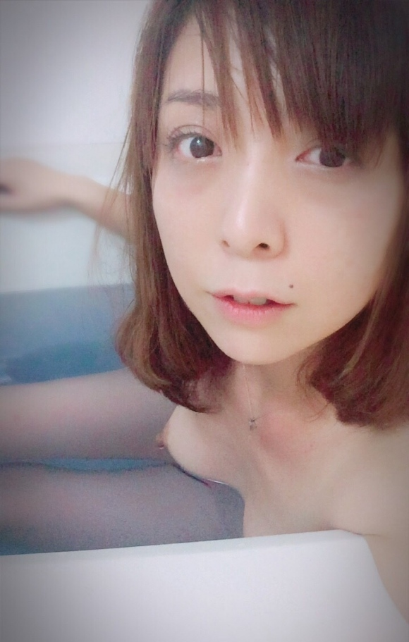 Twitter熟女40歳エロ自撮り1