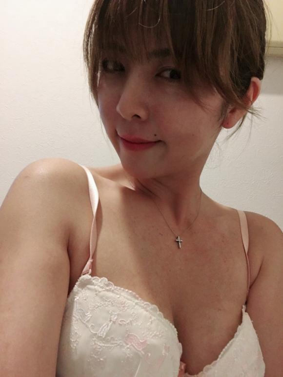 Twitter熟女40歳エロ自撮り5