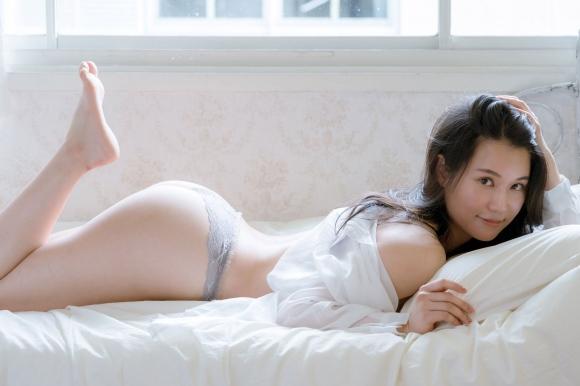 元AKB48鈴木まりや手ブラ3
