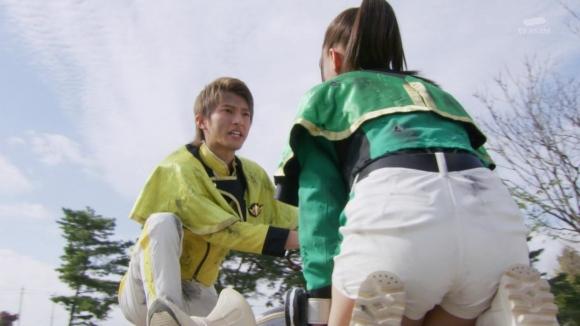 魔進戦隊キラメイジャー新條由芽お尻11