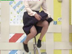 ミヤネ屋で元子役タレント佐藤彩香が一輪車でパンツ丸見え