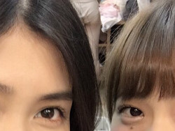 AKB48田野投稿の写真にゆるゆるお子様パンツのメンバーが映り込む