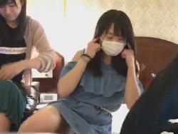 AKB48坂口渚沙が総選挙前に片脚あげて純白パンツ丸見え晒す