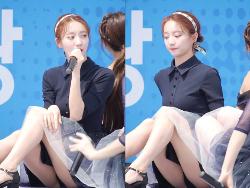 韓国アイドルOH MY GIRLのビニがパンツ丸見せつけ完全に風俗嬢
