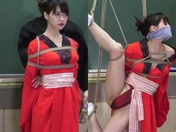 京都大学の公開授業でモデルを縛って開脚させる緊縛SMがエロすぎる